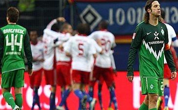 Баргфреде и Торстен Фрингс на фоне радующихся игроков Гамбурга